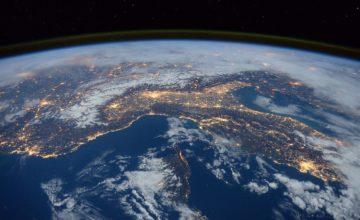 Što bi se dogodilo kad bi se Zemlja okretala u suprotnom smjeru?