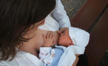 Sve manje dojenja u svijetu ima zabrinjavajuće posljedice za zdravlje majki i beba