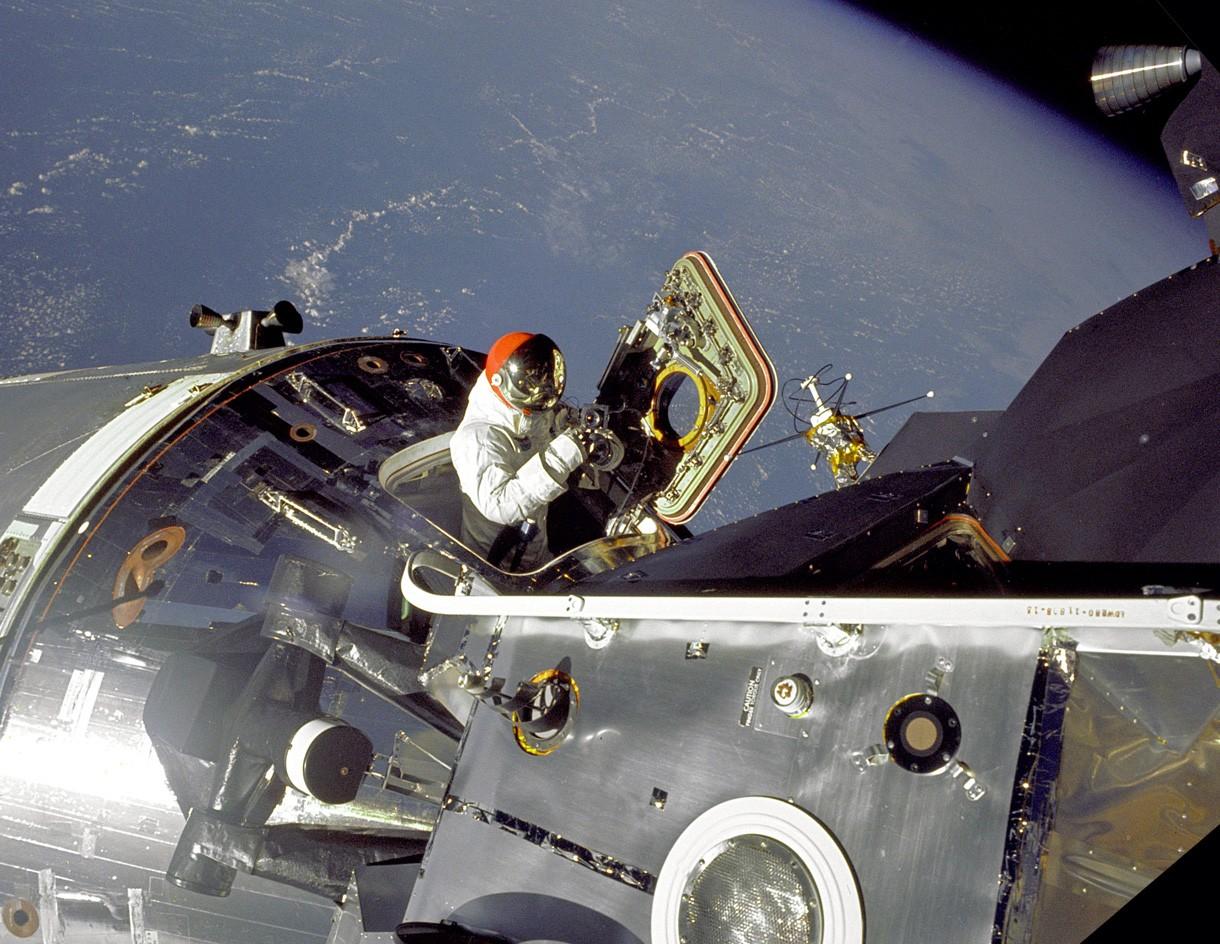 Posada misije Apollo 9 uvježbava svemirsku šetnju (Foto: NASA)