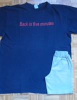 Kako napraviti dječje hlače od majice?