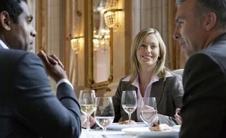 Kako iskoristiti poslovnu večeru za ugovaranje posla?