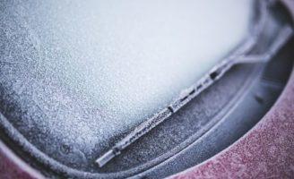 Kako brzo odmrznuti prozore automobila?
