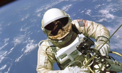 astronaut-white-spacewalk