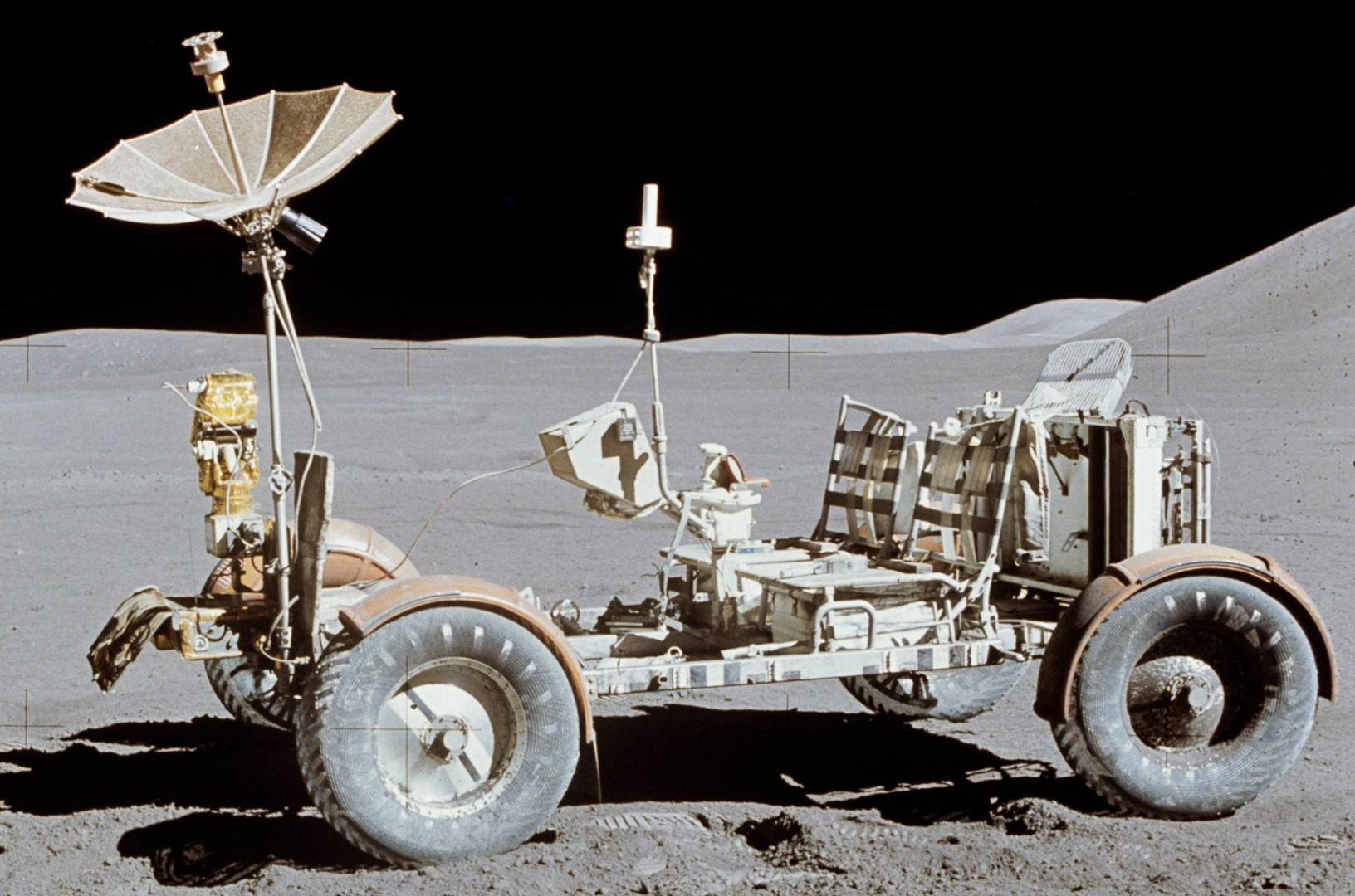 nasa-photo-of-apollo-15-lunar-rover