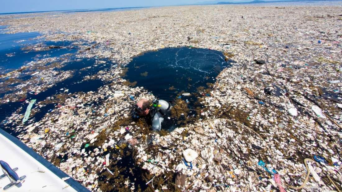 sokantne fotografije pokazuju more plasticnog otpada